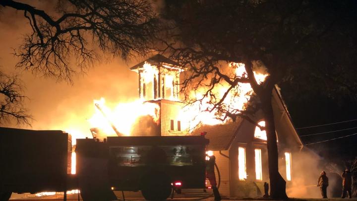 Mooreville-church-fire-02.07 - Rusty Garrett.jpg